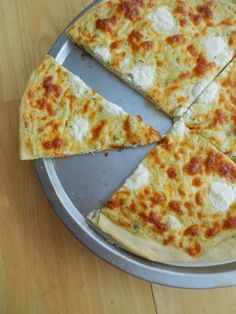 Culinary Couture: Thin Crust White Pizza