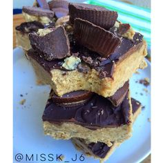 Choc peanut butter cup no bake protein bars . And only 6 ingredients Reese's PB cups, but they aren't! And these are much healthier www.misskkitchencreations.com