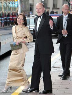 Reyes Simeon II y Margarita, en  Estocolmo, por la boda de la princesa heredera Victoria de Suecia con Daniel Westling