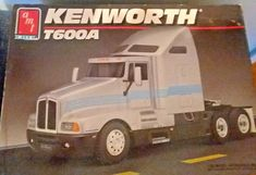 AMT Kenworth T600A 1/25 Semi tractor truck model kit unbuilt  #AMT