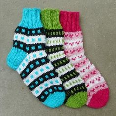 Knit Socks, Knitting Socks, Knitted Hats, Baby Knitting Patterns, Knitting Projects, Villa, Collection, Fashion, Slipper