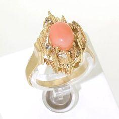 Gouden ring met peau d' ange - Spiegelgracht Juweliers Vintage Gold Rings, Vintage Jewelry, Gemstone Rings, Jewels, Engagement Rings, Gemstones, Luxury, Antiques, Design
