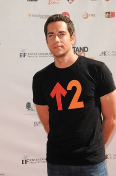 Hottie of the Day - Zachary Levi