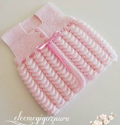 Fotoğraf açıklaması yok. Lace Knitting Patterns, Crochet Blanket Patterns, Baby Blanket Crochet, Crochet Baby, Alpaca Throw, Baby Alpaca, Crochet Leaves, Sweater Fashion, Baby Knitting