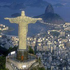 Leinwandbild Christus Statue in Rio de Janeiro East Urban Home Größe: 90 L x 90 B Tam Airlines, Us Airways, Sell Tickets, Christ The Redeemer, Jesus Christ, Painting Prints, Canvas Prints, Brazil Travel, Cheap Flights