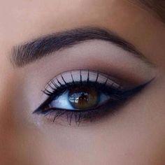 10 Pcs. Cat Eye & Smokey Eye Eyeshadow Eyeliner Models Template Cards