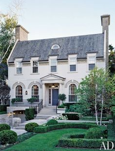Your Ultimate Guide Tackle these Simple Home Maintenance Projects - Best home Architecture Images Gallery Architecture Design, Ancient Architecture, Villa, Architectural Digest, Architectural Styles, Architectural Features, White Houses, House Goals, Simple House