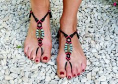 Barefoot sandals micro macrame labradorite boho bohemian chic foot jewelry black neon pink turquoise french designer / Hand made in France