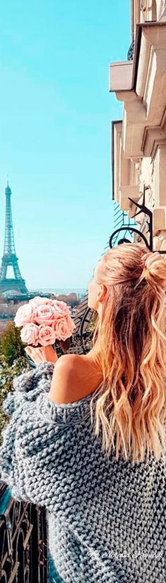 A Day In Paris, Parisienne Style, The Allure, Parisian Chic, Love And Light, Pink Roses, Most Beautiful, Glamour, Good Things