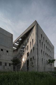 Wah Son Aerospace / ipli architects, © Darren Soh