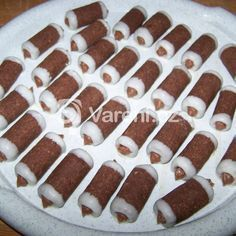 Trvanlivý máslový krém recept - Vareni.cz Gingerbread Cookies, Sausage, Cheesecake, Yummy Food, Meat, Baking, Recipes, Projects, Gingerbread Cupcakes