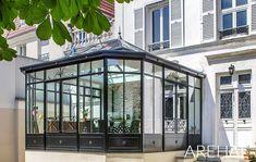 Extension Veranda, Sas Entree, Veranda Design, Garden Room Extensions, Glass Room, Home Additions, Glass House, Conservatory, Sunroom