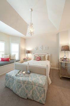 Phillip Jefferies grass cloth, vintage nightstands and Quadrille ...