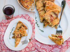 Clafoutis di farina di ceci con zucchine e peperoni grigliati