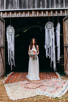 Boho chic style is perfect for summer nuptials! Go outside, find a spectacular venue, tie the knot and have fun with your guests! A summer boho wedding . Bohemian Wedding Inspiration, Bohemian Wedding Dresses, Chic Wedding, Summer Wedding, Wedding Ideas, Dream Catchers, Dream Catcher Wedding, Boho Wedding Decorations, Amazing Weddings