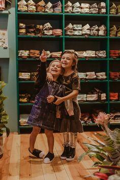 Editorial Viver Kids | Fotografia lifestyle de família em Curitiba Editorial, Hipster, Style, Fashion, Living Alone, Journals, Fotografia, Swag, Moda