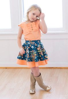 Sewing Projects For Children Tilly's Circle Skirt. PDF sewing patterns for girls sizes - Girls Skirt Patterns, Sewing Patterns For Kids, Sewing Projects For Kids, Sewing For Kids, Baby Sewing, Clothing Patterns, Pdf Patterns, Patterns For Dresses, Outfits Niños
