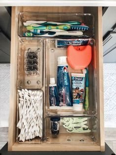 Bathroom Storage Ideas - Re-organize your towels and toiletries during your next round of spring cleaning. Look into several of the most effective small bathroom storage ideas for . Diy Bathroom, Simple Bathroom, Bathroom Storage, Bathroom Vanities, Washroom, Bathroom Cabinets, Master Bathroom, College Bathroom Decor, College Apartment Bathroom