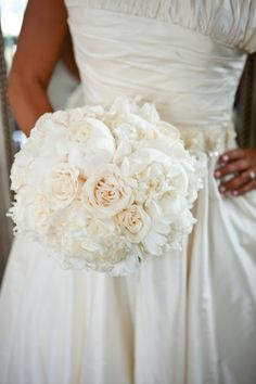 Perfectly white wedding bouquet traditional but so elegant roses peonies and more     Orlando wedding flowers | www.weddingsbycarlyanes.com