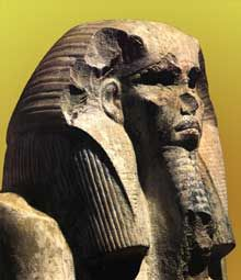 Le pharaon Djoser (2630-2611), IIIè dynastie. Statue du serdab de la pyramide de Saqqara.  (Histoire de l'Egypte ancienne) Ancient Egyptian Artifacts, Ancient Egypt History, African History, African Art, Kemet Egypt, Statues, Archaeological Finds, Black History Facts, African Beauty