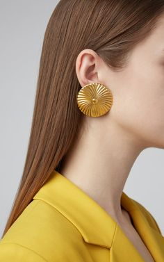 Gold Starburst Stud Earrings - Sparkly star earrings/ Astrology earrings/ Celestial earrings/ Gold star studs/ Sunburst studs/ Gifts for her - Fine Jewelry Ideas Star Earrings, Gold Earrings, Gold Jewellery Design, Gold Jewelry, Expensive Jewelry, Simple Jewelry, Gold Fashion, Creations, Bridal Cape
