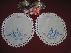 Vintage Linen Hand Embroidered Lace Doily Tray Cloth  Bluebird Set of 2        E