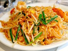 Pad Thai is the perfect food. | ModernMouthful.com
