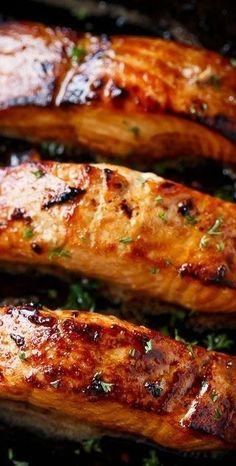 Salmon is a favourite dish to cook in a wood fired oven and is sure to please a hungry crowd. Our honey and garlic roasted salmon recipe combines sweet flavours along with the unique taste of being cooked in a wood fired oven. It will simply melt in your mouth! You'll Need 4x salmon fillets 4tbsp butter …