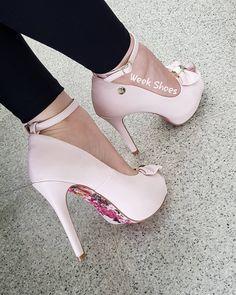 f606fdf2f 🌸ROSA CLARO🌸 Peep toe salto alto meia pata 12cm, ROSA CLARO com solado  FLORAL. #weekshoes #saltoalto #shoes #calçados #peeptoe #sandalias👡  #meiapata ...