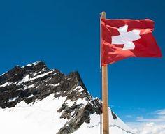 Dincolo de ciocolata, cascaval, finante si Alpi, Elvetia este o tara cu o multime de curiozitati! Afla-le pe toate aici! Mount Everest, Canada, Mountains, Country, Nature, Travel, Summer, Naturaleza, Viajes