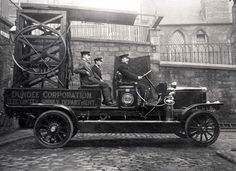 https://flic.kr/p/q1hu2T | Dundee Corporation Electricity Supply Department | Photo of a Motor Tower Wagon taken in Laburn Street.