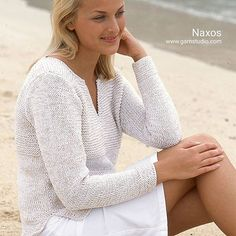 This gorgeous summer jumper combines two lovely cotton yarns: DROPS Safran and DROPS Cotton Viscose. What about giving it a try?    Find the free pattern by searching for Naxos on our website, or click the link in our profile!    #dropsdesign #knitting #freepattern #knittedjumper