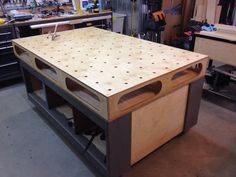 Another Paulk inspired assembly table/workbench/outfeed