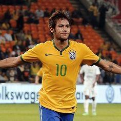 Neymar da Silva Santos (Brazil) | The 30 Hottest Bearded Men Of The World Cup