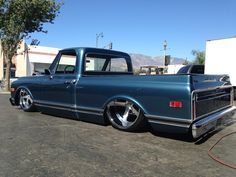 1970 Chevy c10 short bed bagged on 22/24x12 billets
