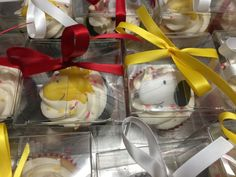 Snoopy & Woodstock Cupcake Favor Cupcake Favors, Cupcake Cakes, Cupcakes, Baby Snoopy, Snoopy And Woodstock, Baby Showers, Shower Ideas, Children, Young Children