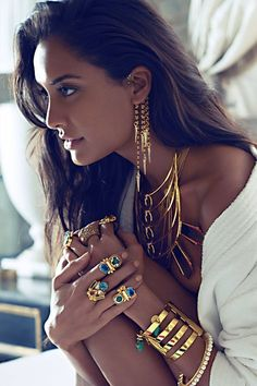 "beautifulsouthasianbrides: "" Lisa Haydon for Pernia's Pop Up Shop "" Indian Jewelry, Boho Jewelry, Handmade Jewellery, Ethnic Jewelry, Handcrafted Jewelry, Gold Jewellery, Silver Jewelry, Fine Jewelry, Fashion Accessories"