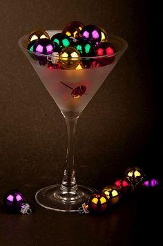 Cute decor idea... martini glass Holidays!