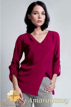 Kopertowa bluzka damska z dekoltem firmy Lanti.  #cudmoda #ubrania #styl #moda #odzież #clothes