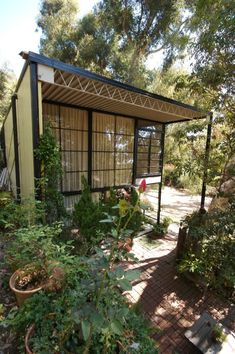 Mid Century. Japanese. Architecture. Living with nature. Eames House - Case Study House No. 8 / Conserving Modern Architecture Initiative / The Getty