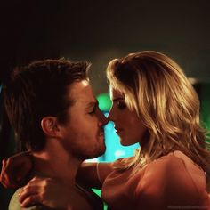 Stephen Amell and Emily Bett Rickards as Scott and Julia David Ramsey, The Cw Shows, Dc Tv Shows, Emily Bett Rickards, Green Arrow, Oliver Queen Felicity Smoak, Oliver Queen Arrow, Arrow Felicity, Supergirl