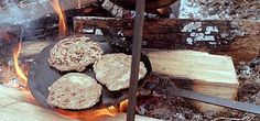 Viking bread 7 cups of flour. use mix of wheat, barley, oat, & rye 3 c… Medieval Recipes, Ancient Recipes, Viking Recipes, Viking Food, Viking Camp, Viking Life, Tasty, Yummy Food, Healthy Food