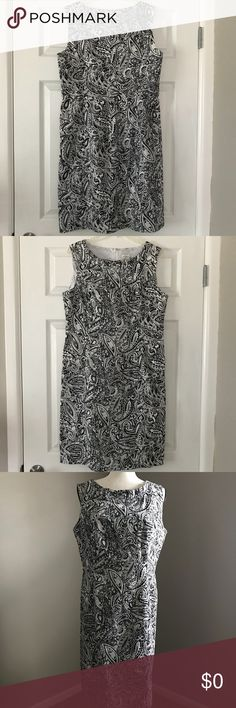 White and Black Print Dress Size 12 White and black print sheath dress by Kim Rogers. Neckline is adorned with a small ruffle. Dress is lined and zips in the back. It's a classic!   👗EUC  👠TTS  ✨Smoke Free/Pet Free Home  💄NO Trades   Reasonable offers are welcome! Notify me with any questions. Feel free to bundle! Thanks for shopping my closet Kim Rogers Dresses
