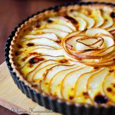 pear camembert pie