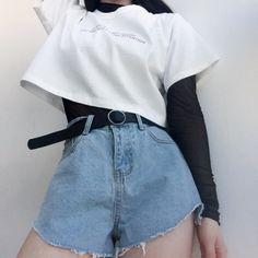 Pin de thauanny santos em roupas em 2019 корейская мода, стиль и мода e оде Edgy Outfits, Korean Outfits, Grunge Outfits, Cute Casual Outfits, Pretty Outfits, Fashion Outfits, Fashion Ideas, Fashion Belts, Fashion Clothes