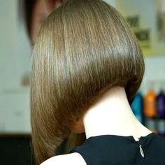 Flawless a line bob haircut 😍 Thick Hair Bob Haircut, Line Bob Haircut, Bun Hairstyles For Long Hair, Lob Hairstyle, Short Bob Cuts, Short Hair Cuts, Short Hair Styles, Bob Styles, Medium Hair Styles For Women