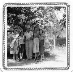 Mary Ethel Easley Huskey, Barbara Gail Deason?, Sidney Doyle Deason, Velora Virginia Huskey Deason, Rochelle [Shelley] Deason?, [small child] Sydney Dee [Deedee] Deason?