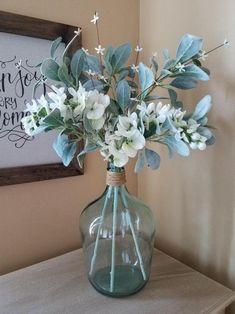Floral Centerpieces, Vases Decor, Table Centerpieces, Wedding Centerpieces, Floral Arrangements, Dining Room Centerpiece, Dining Table, Wedding Decor, Glass Jug