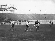 Olympic Games, London 1908 : bicycle polo : Zum Radpolo, 1908 Demonstrationssportart, verirrten sich nur wenige Schaulustige. | © Topical Press/Getty Images