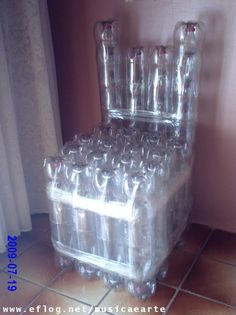 Bottle lawn chair / tag : chair, bottle, PET, plastic, reuse, recycle